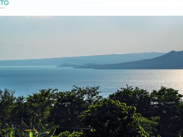 High End Residential Lots With Panoramic View Of The Lake