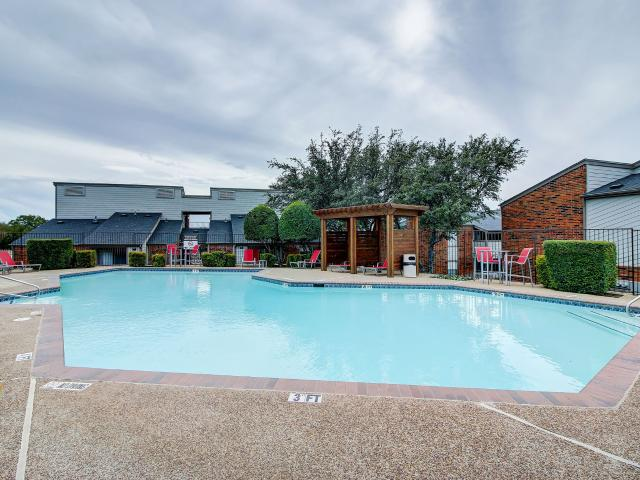 Hilltop 1 Bedroom Apartment For Rent At 6424 Iron Horse Blvd, North Richland Hills, Tx 76180
