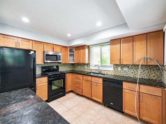 Home For Rent In Arlington Heights, Illinois