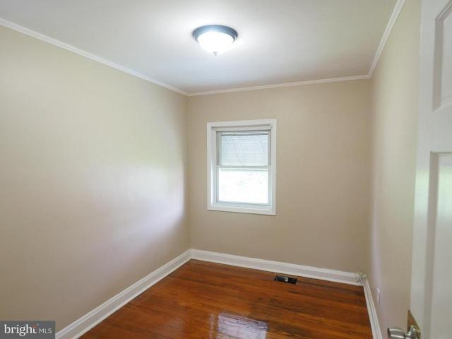 Home For Rent In Esnice, Maryland