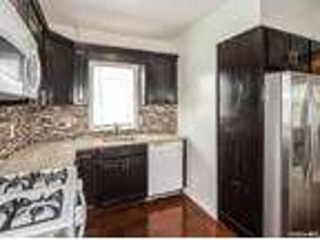 Home For Rent In Lynbrook, New York