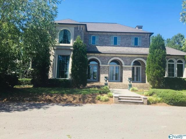 Home For Sale In Fort Payne, Alabama