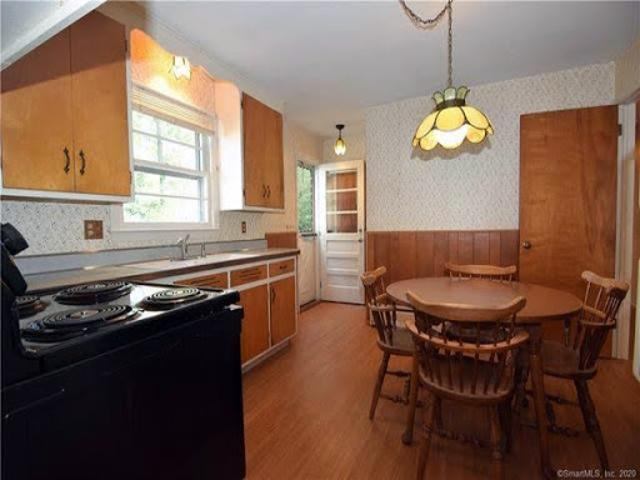 Home For Sale In Trumbull, Connecticut