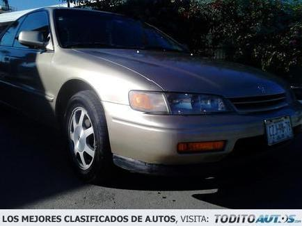 <strong>Honda</strong> <strong>Accord</strong> 2.2 <strong>1995</strong>