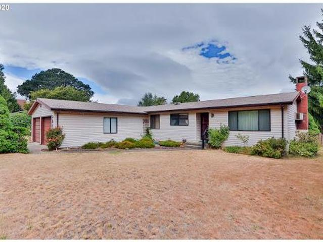 Hood River, Three Br, Two Ba, 1432 Sqft Ranch Home On.22 Acre Lo
