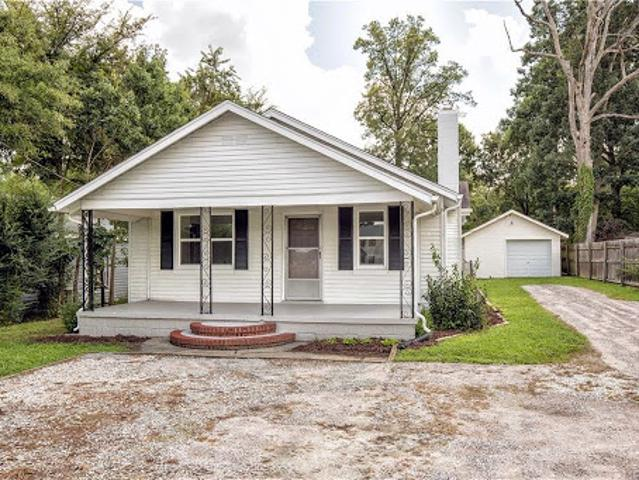Hopewell, Move In Ready Defines This Three Br