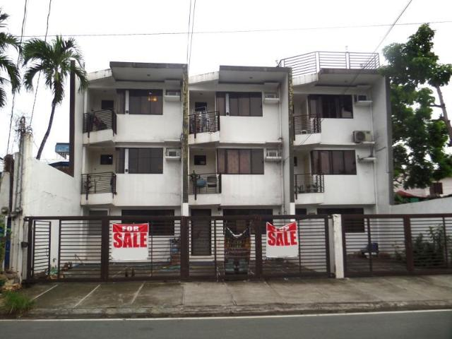 Hot Deal! 3 Story Commercial/residential Townhouse Units In Bf Resort, Las Pinas City