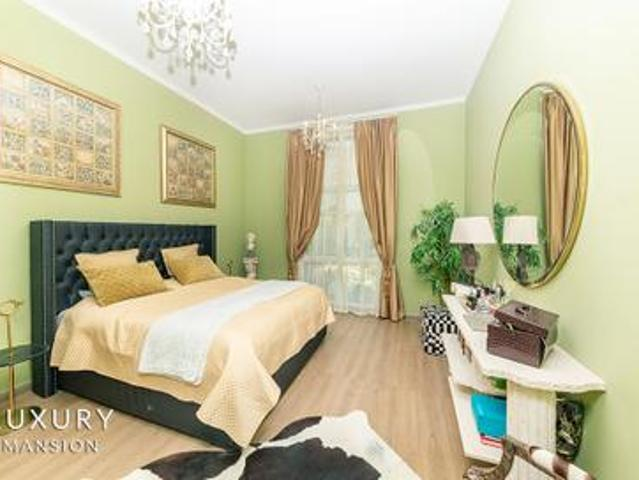 Hot Deal | Fully Upgraded | Furnished | Vacant Now