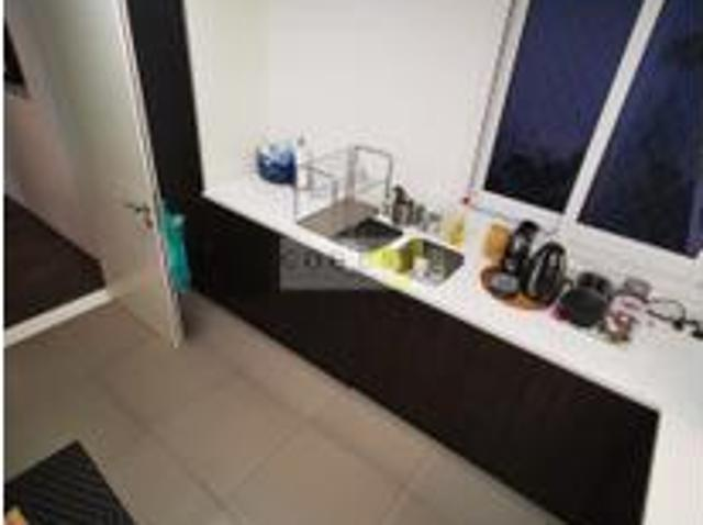 Hot Offer   Spacious 1bed, J8  Al Sufouh