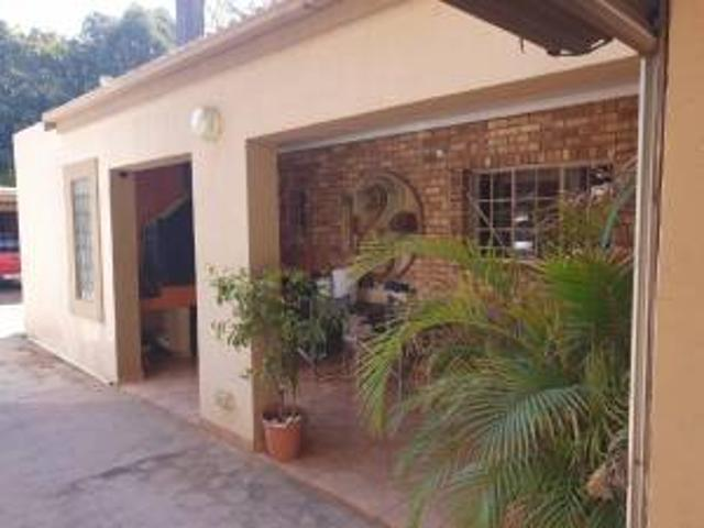 House: 3.0 Bedroom House For Sale In Pretoria North.