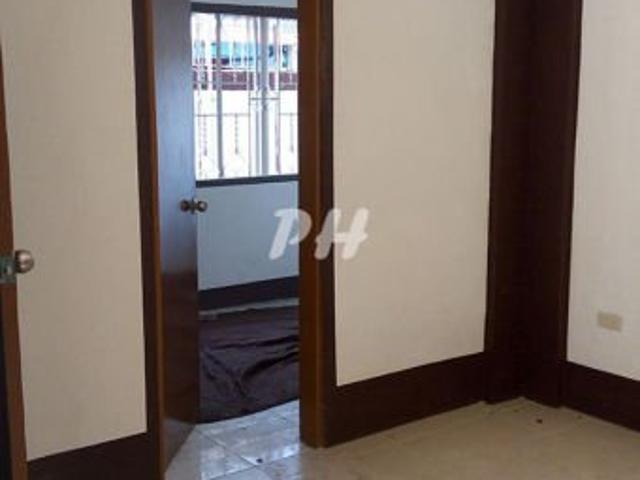 House And Lot For Sale In Project 7 Qc At 12.5m Ph1180 B