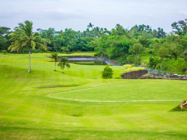 House And Lot For Sale In Silang Tagaytay In A Golf Community