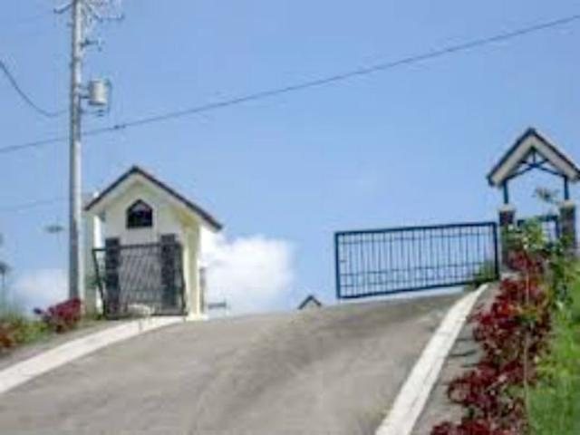 House And Lot In Tagaytay City 3 Bedrooms