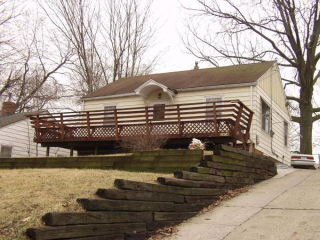 House For Rent 3 Bed 2 Bath, Deck, Fenced Yard, Patio, Garage 2404 Payne Rd Des Moines, Ia