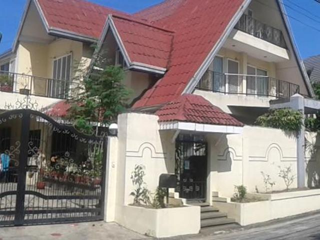 House For Sale In Bf Homes 4br Two Storey House Code:phs0009