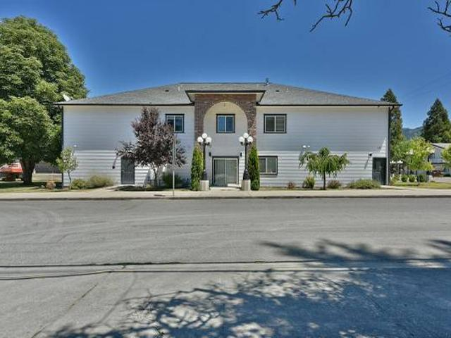 House Of The Week Commercial In Canyonville. 0 Beds, 0 Baths