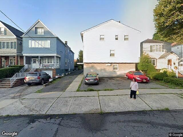 Hud Foreclosed Bayonne Townhouse/condo