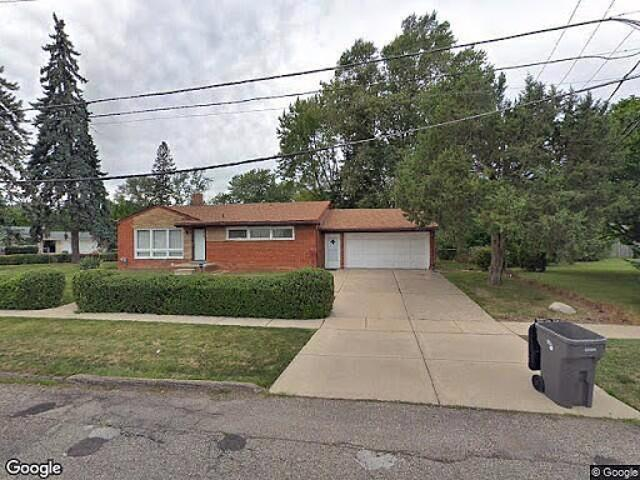 Hud Foreclosed Single Family Home In Clinton Township