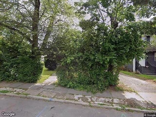 Hud Foreclosed Single Family Home In Hartford