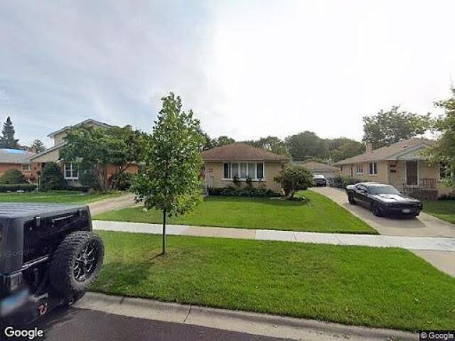 Hud Foreclosed Single Family Home In Mount Prospect