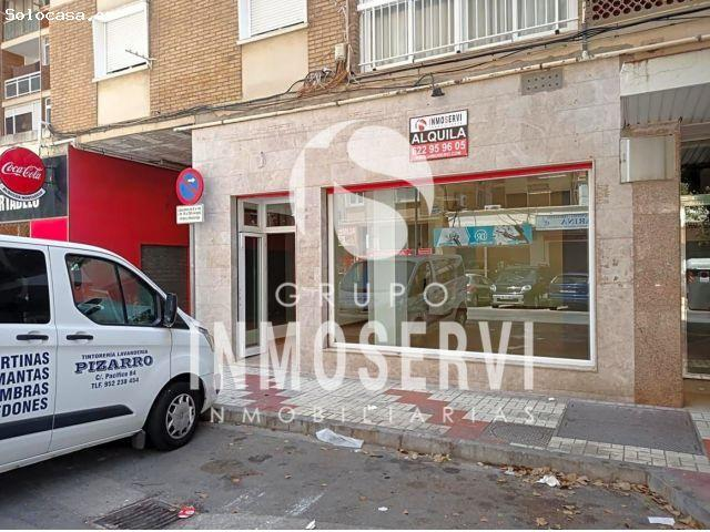 Huelin, Oportunidad. Gran Local Comercial De 100 M2