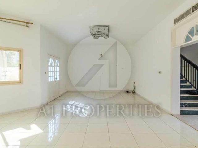Huge Villa With Private Pool And Garden   Garhoud