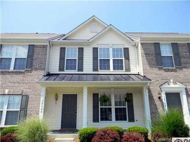 Huntersville Two Br 2.5 Ba, Beautiful Townhouse With Open Floor