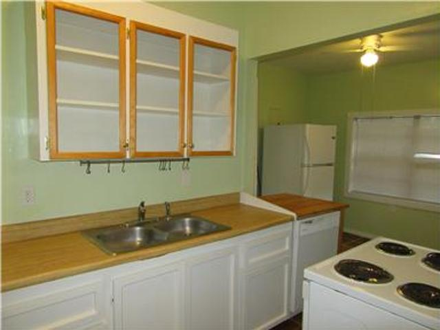 Hyde Park North Chamings Two Bdrm One Bath Home