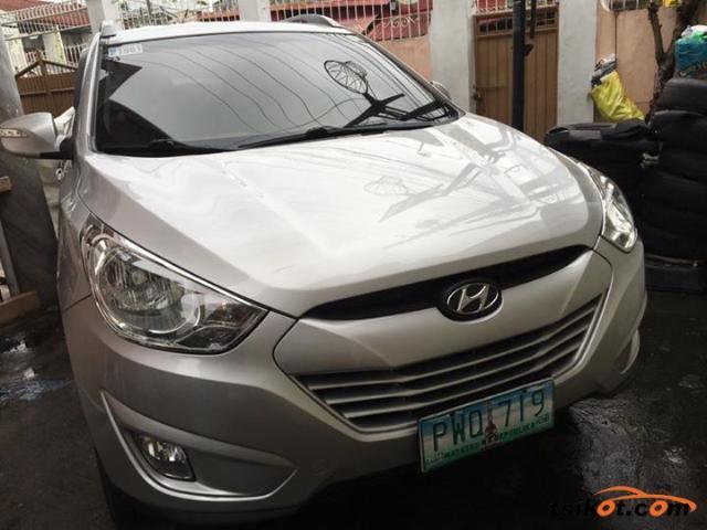 Hyundai tucson 2010 gasoline hyundai tucson 2010