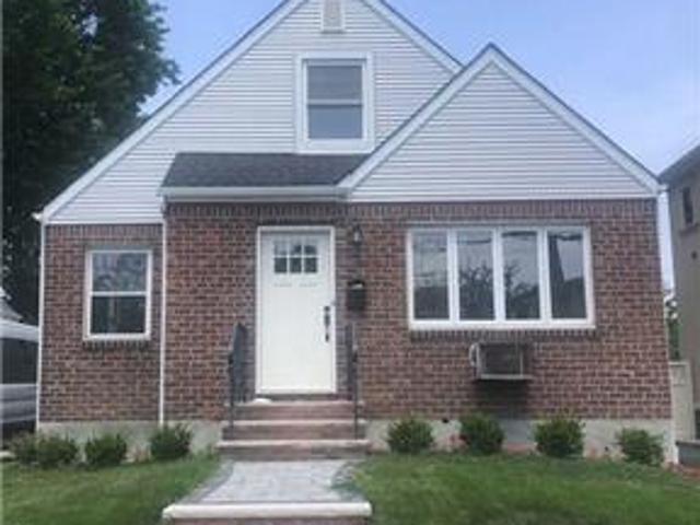 Id#: 1352522 Newly Renovated 4 Bedroom House For