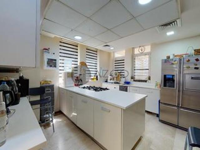 Ideal Place To Live | Spacious Unit | Near To Mall