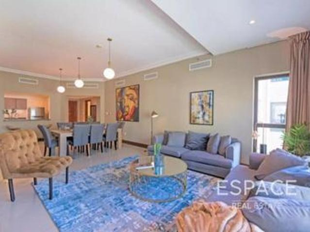 Immaculate 3br Apartment With Park View
