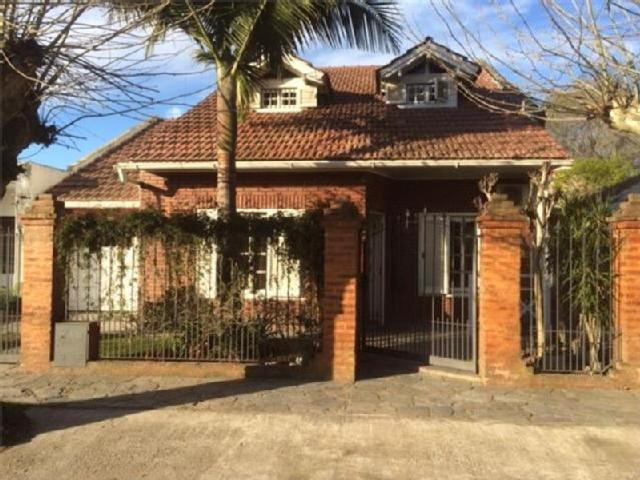 Impecable Chalet En Zona Residencial