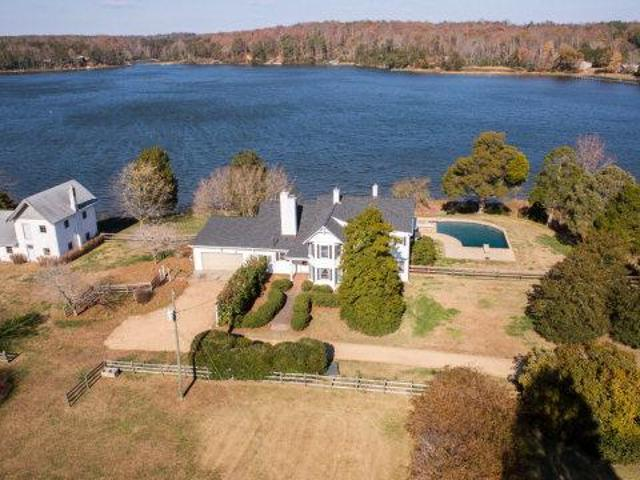Island Point Road 3090 Sq. Ft. Single Family Residential