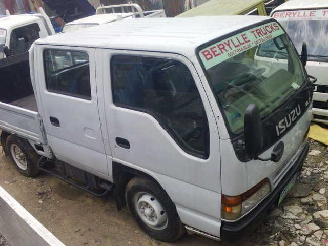 Isuzu Elf Double Cab Power Lifter Giga Model