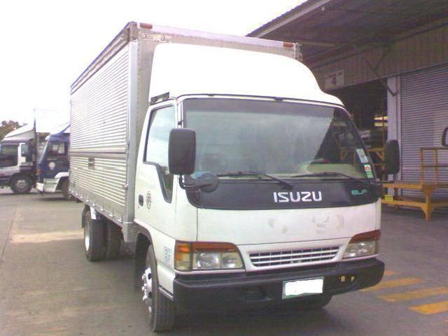 Isuzu elf giga close van 09239035853