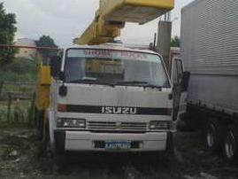 Isuzu forward manlift truck