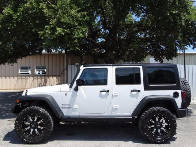 Jeep Wrangler In White 4 Door Hardtop