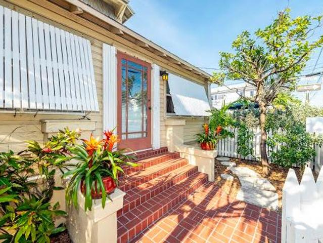 Key West One Ba, Come Take A Look At This Move In Ready