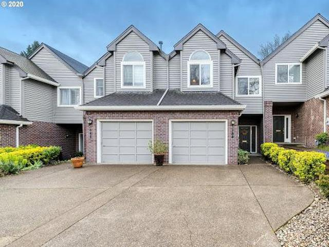 Lake Oswego Three Br 2.5 Ba, Excellent First Addition Location!