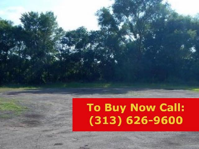 Large, Open Vacant Lot!