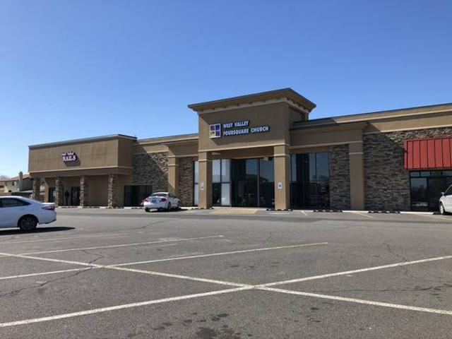 Large Retail, Office, Gym, School, Or Church With Stage Summitview Yakima