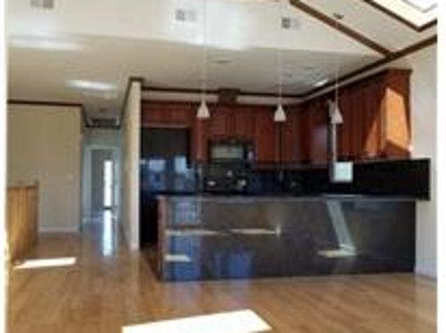 Large Sunny Three Bedrooms Apt In Jersey City