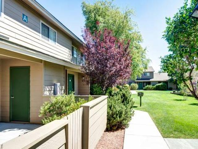 Large Townhome, Clean And Updated Country Club Meadows Apartment Homes
