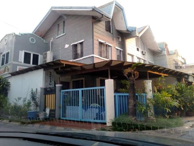 Las Pinas City Royal South Townhouse For Sale