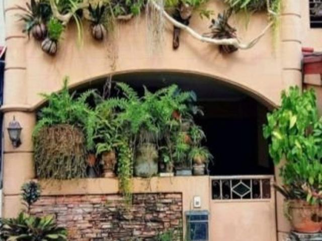 Las Pinas House And Lot For Sale Very Accessible Near Sm Southmall