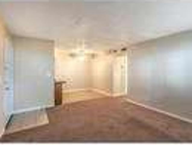 Lease Spacious 1+1. Approx 618 Sf Of Living Space!