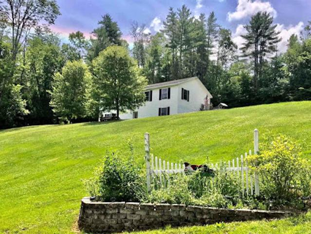 Lebanon Two Br Two Ba, A Well Maintained Ranch That Sits Back Fr