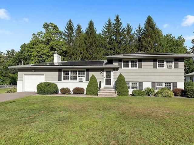 Leominster, Wonderful Four Br, Two Ba Multi Level Home W/