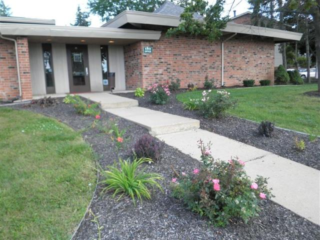 Liberty Commons Apts & Townhomes 3 Bedroom Apartment For Rent At 180 Carl Ave, Battle Cree...